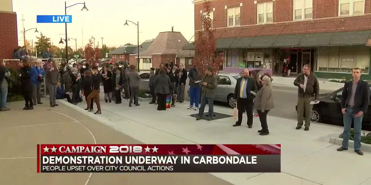 Demonstration in Carbondale, People upset over City Council actions