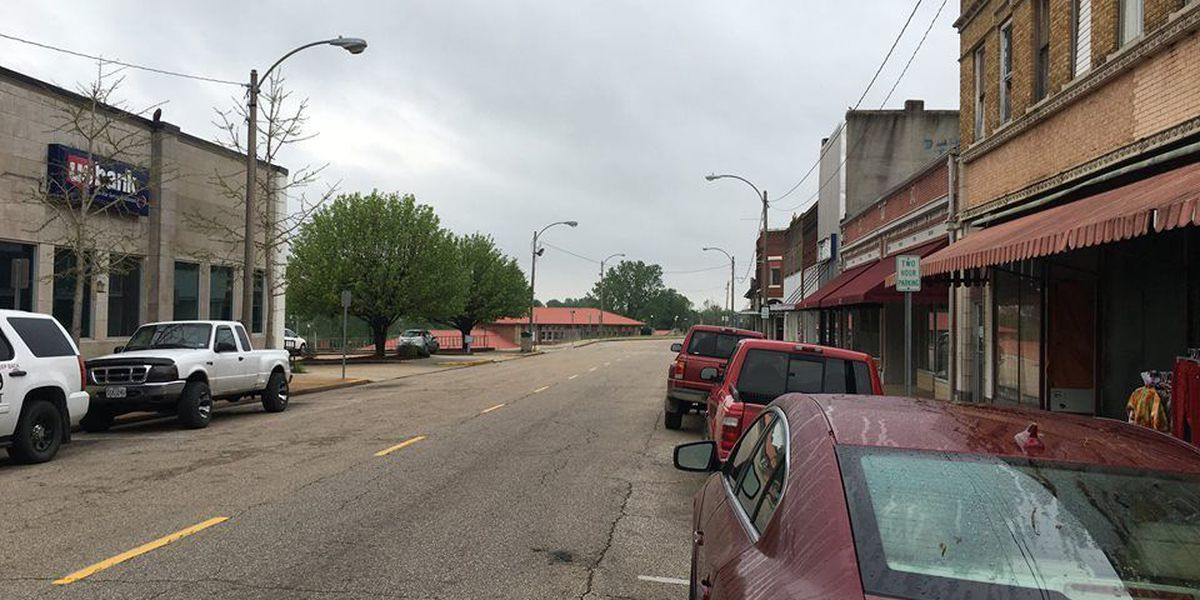 Traffic flows two-ways now on Poplar Bluff, MO street