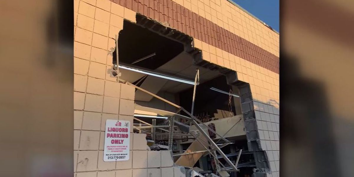 Thieves smash through wall of Detroit liquor store with excavator