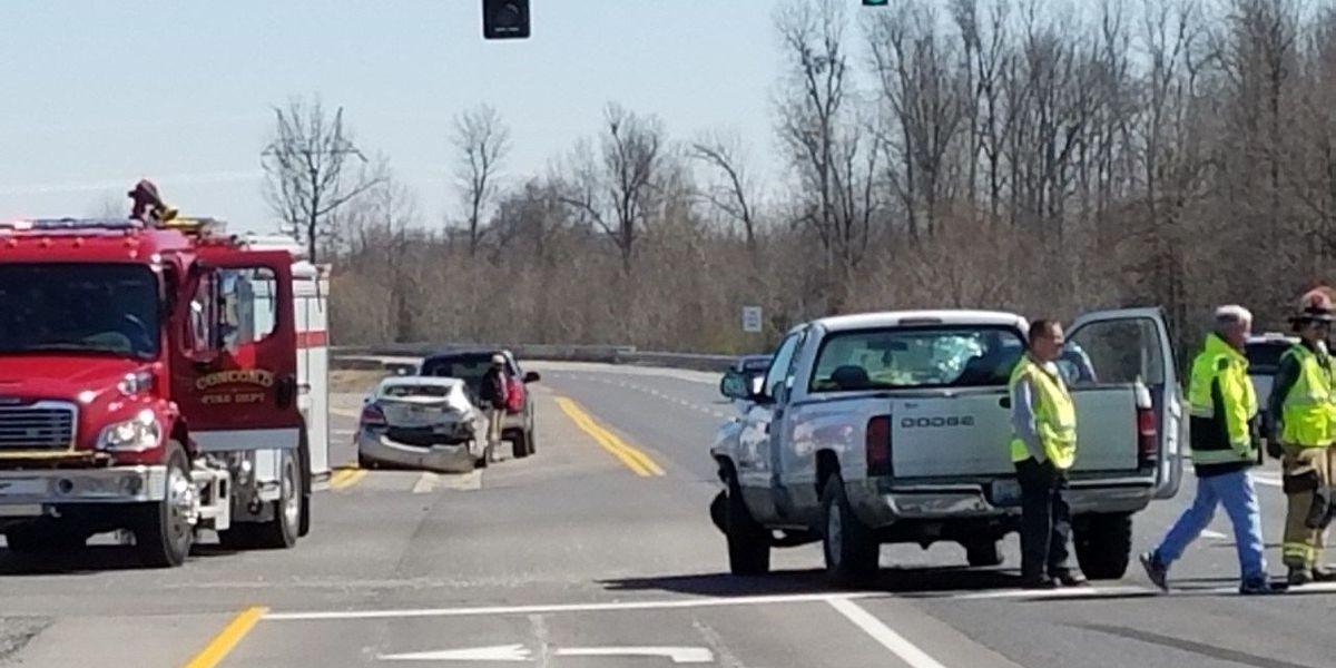 2 people injured in two-car crash near high school in McCracken Co., KY