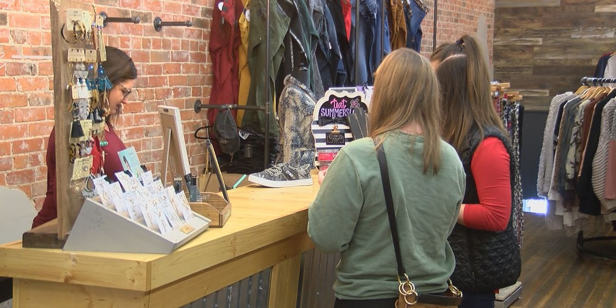 Small businesses still seeing shoppers after Christmas