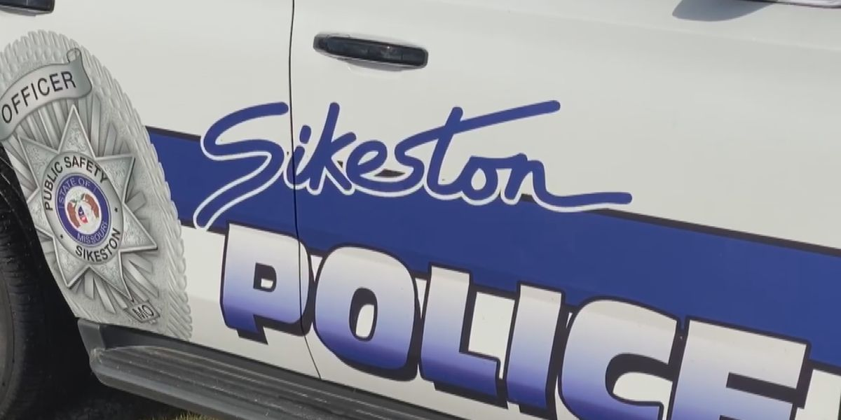 2 dead, multiple seriously injured in head-on crash in Sikeston, Mo.