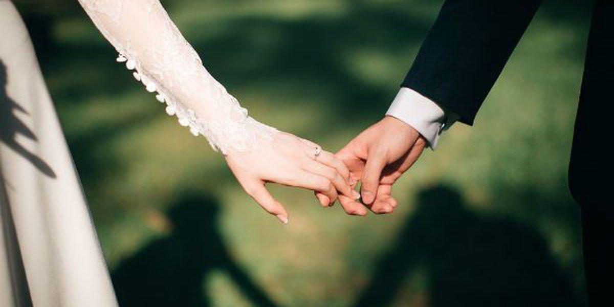 Gov. Parson signs bill to raise marriage age in Missouri