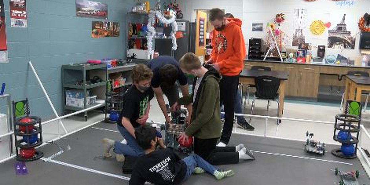Central Jr. High School robotics team heads to world competition
