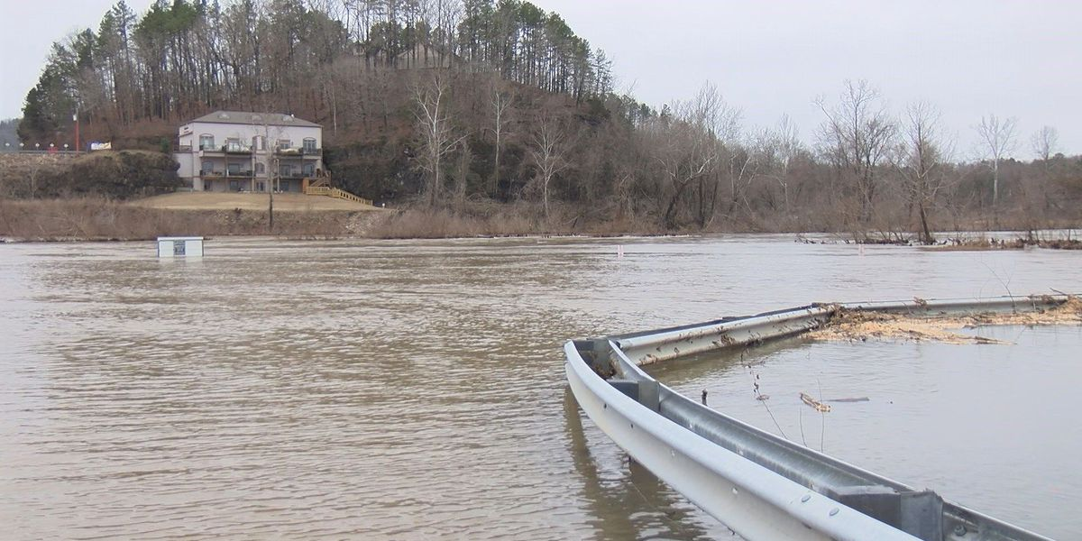Carter County braces for rainy weekend, fears more flooding