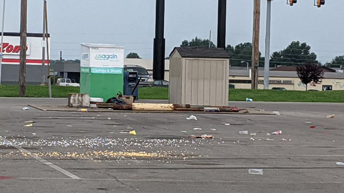 Stop loitering and trashing business properties, Marion, Ill. police say