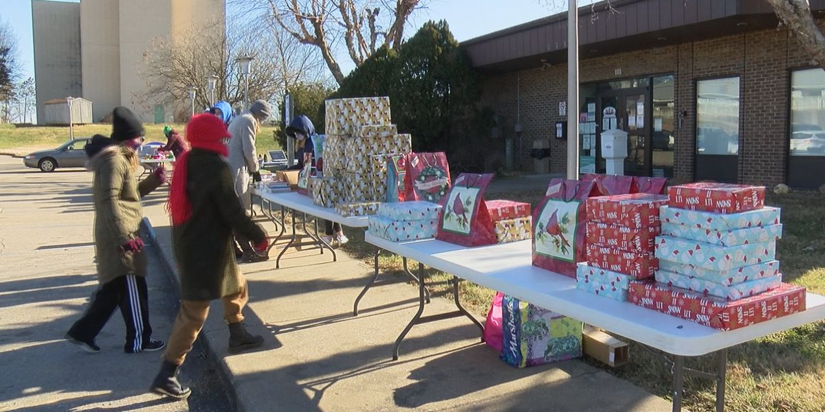 Student Santas organization gives to-go meals and presents to families