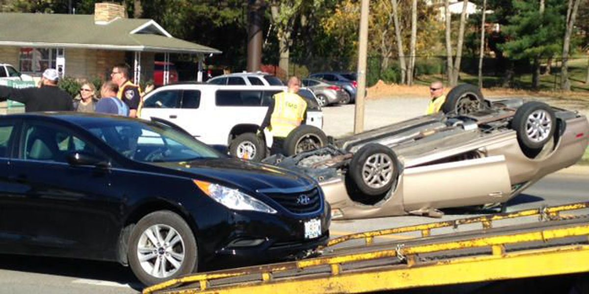 1 injured after car flips over on Kingshighway in Cape Girardeau