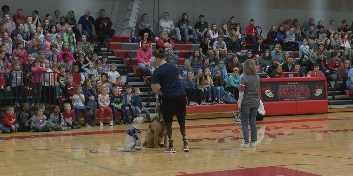 USA Paralympic hockey team member reunites with Richland students