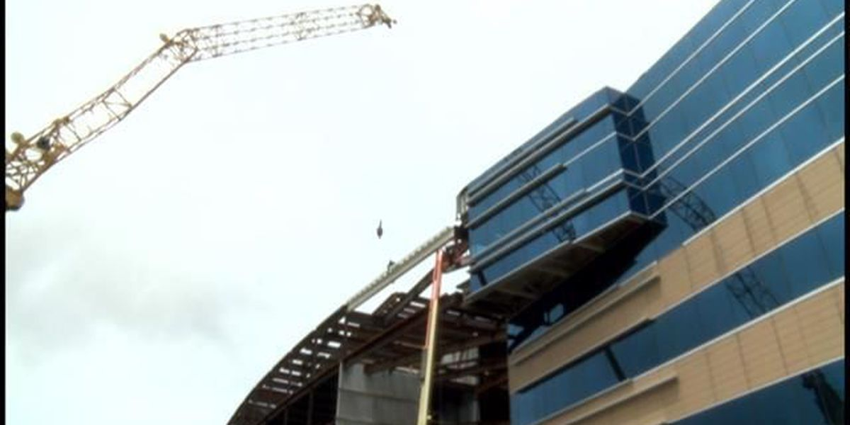 Final beam placed for medical center's project