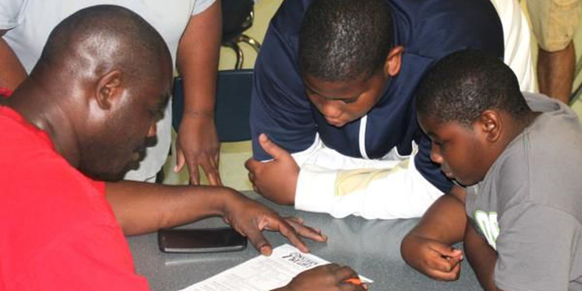 Charleston Middle School holds 'Middle School Mystery Night'
