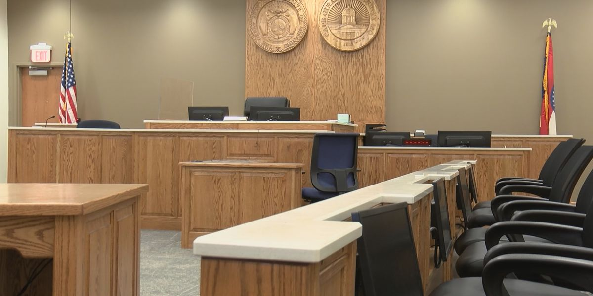 32nd judicial circuit suspends jury trials through end of May