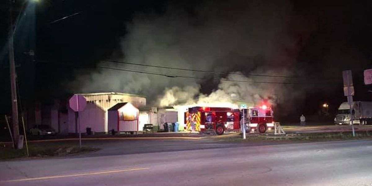Crews battle early morning fire at businesses in Hayti Heights, MO