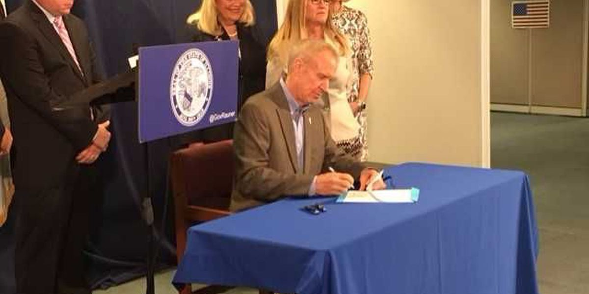 Gov. Rauner signs legislation to overhaul EDGE Tax Credit Program