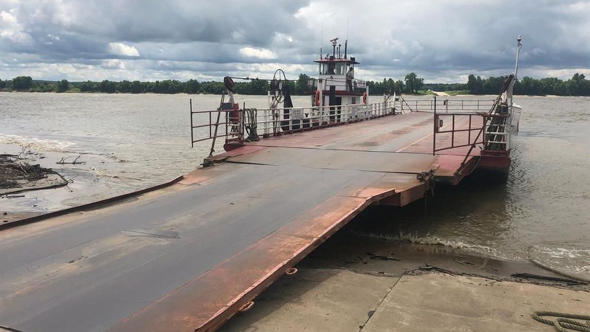 Cave-in-Rock Ferry resumes service