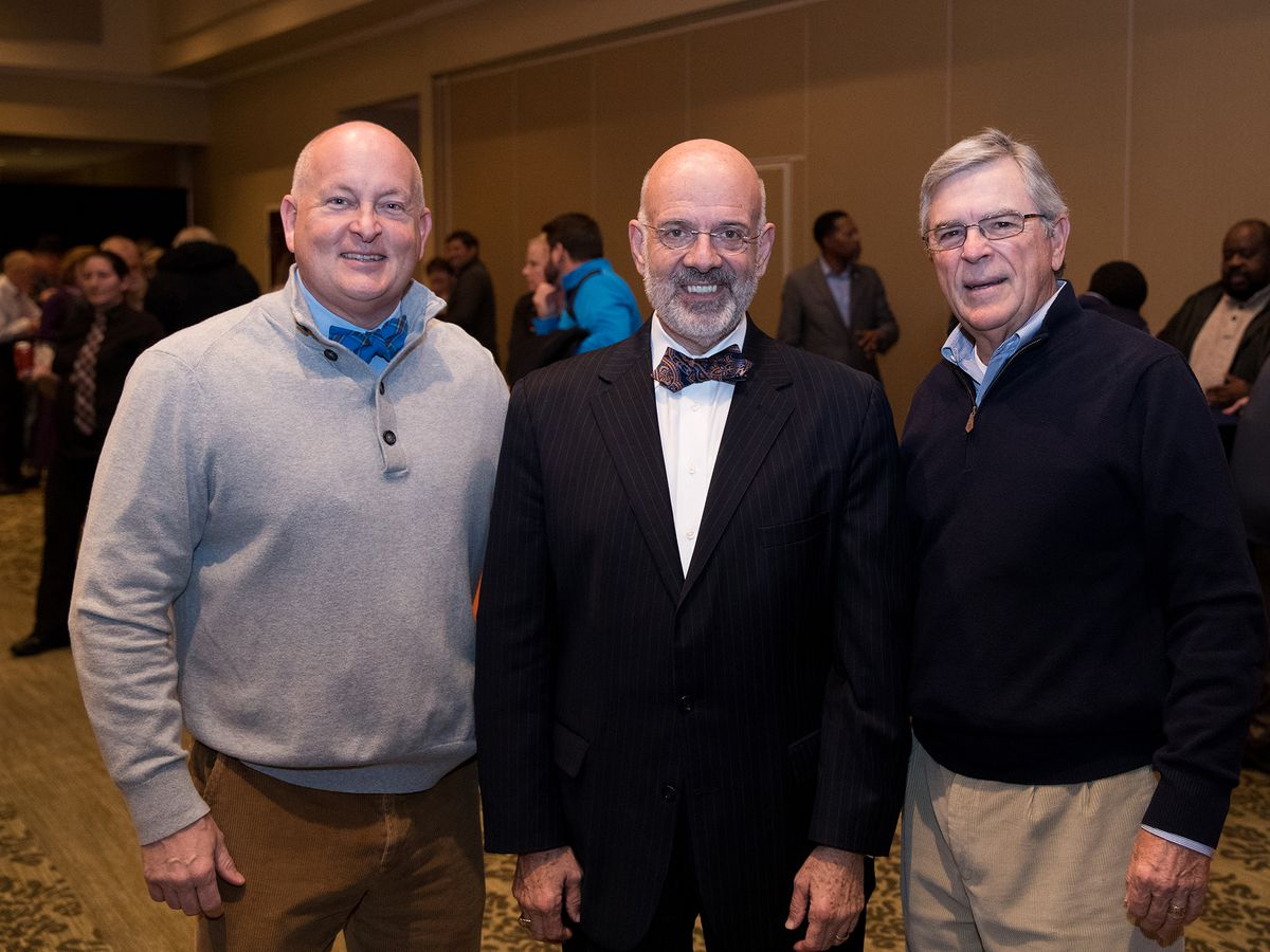 UT Martin president honored at farewell reception
