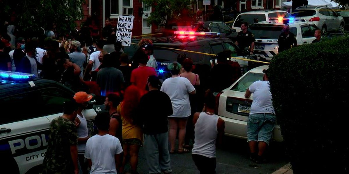 Tear gas deployed on Pennsylvania protesters after fatal police shooting