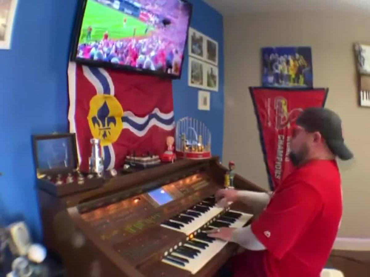 SEMO organist plays for the BLues