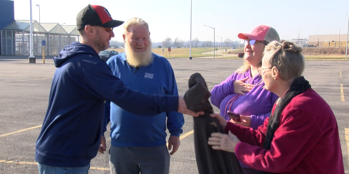 Good Samaritan helps couple in interstate crash