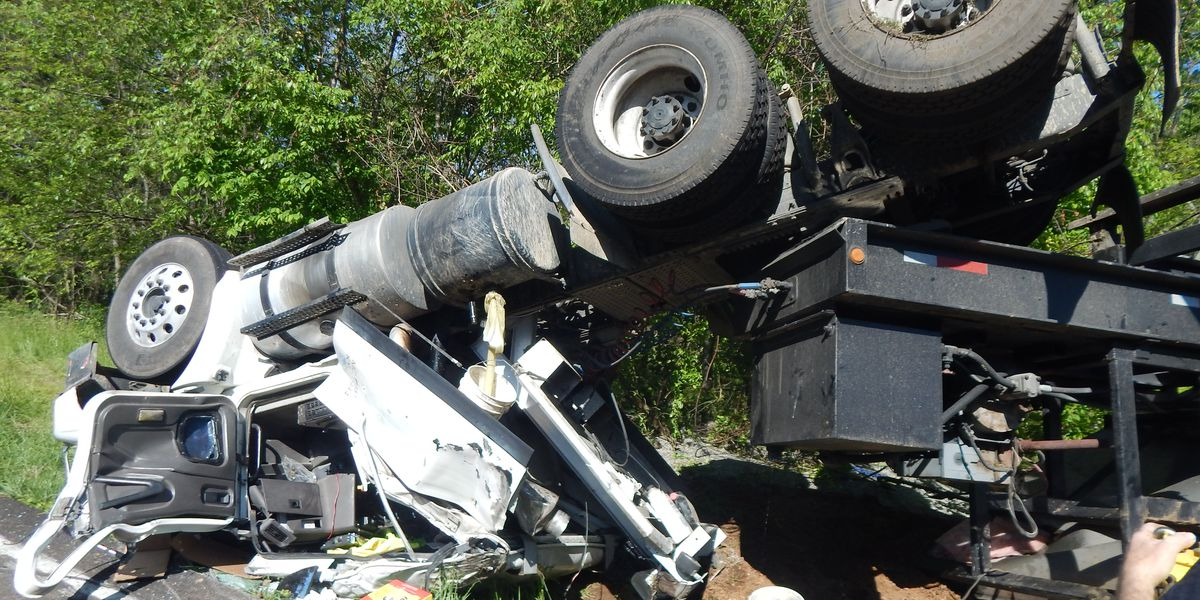 Driver injured after vehicle hauling fertilizer overturned on KY 94 east of Murray