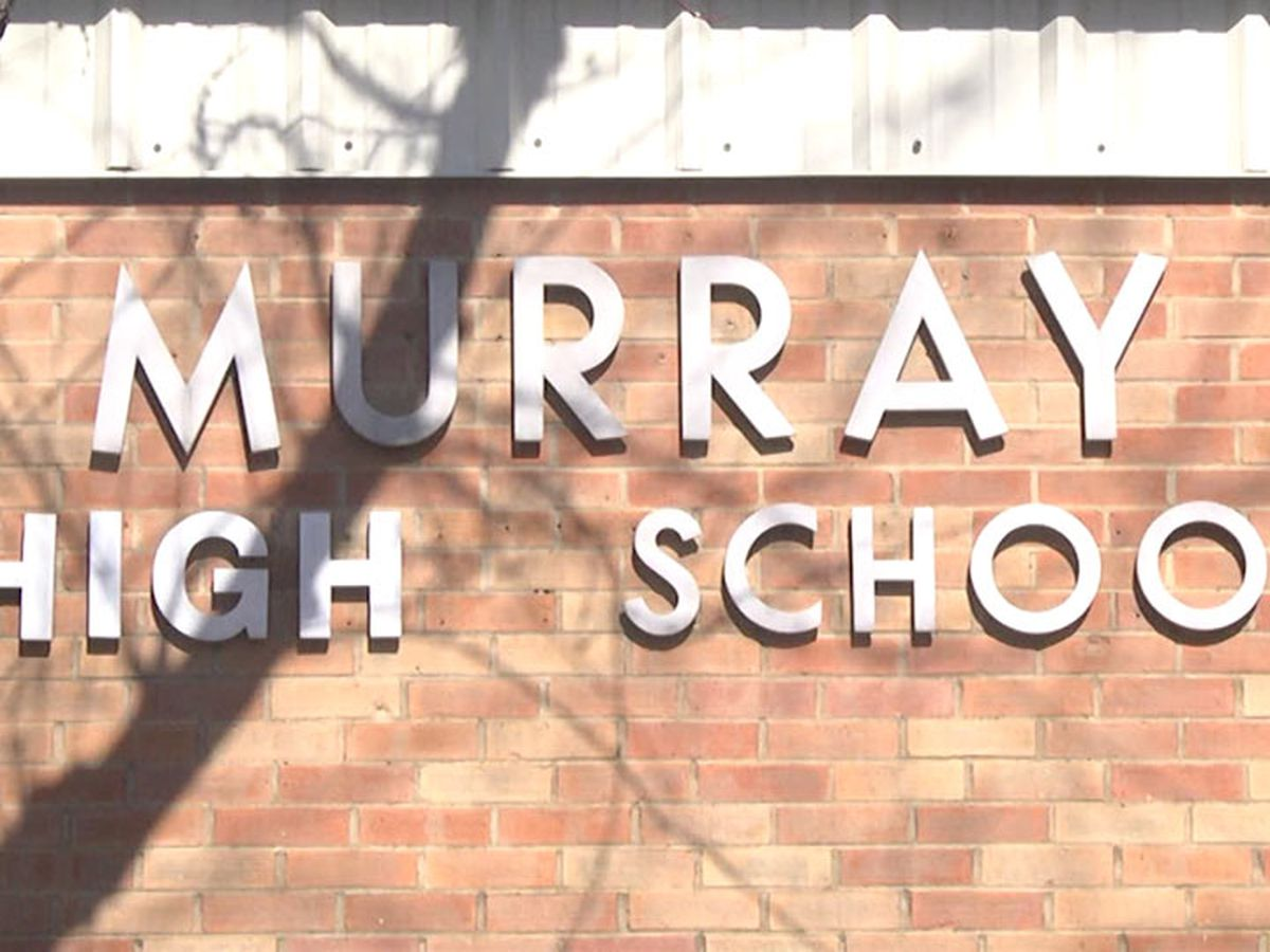 Murray H.S. on lockdown, police investigating