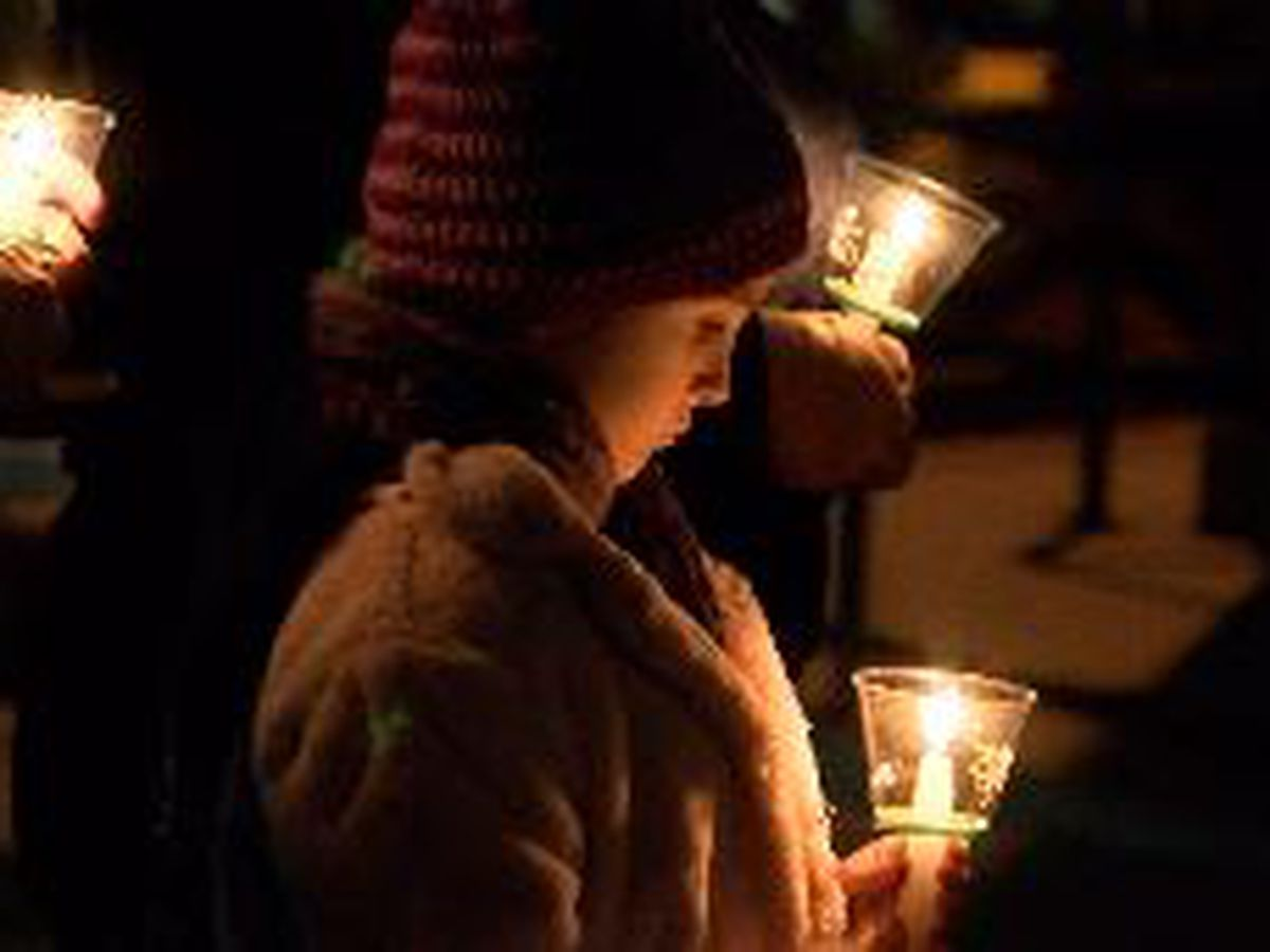 Southern Illinois Girl Scouts honor fallen scouts with local candlelight vigil