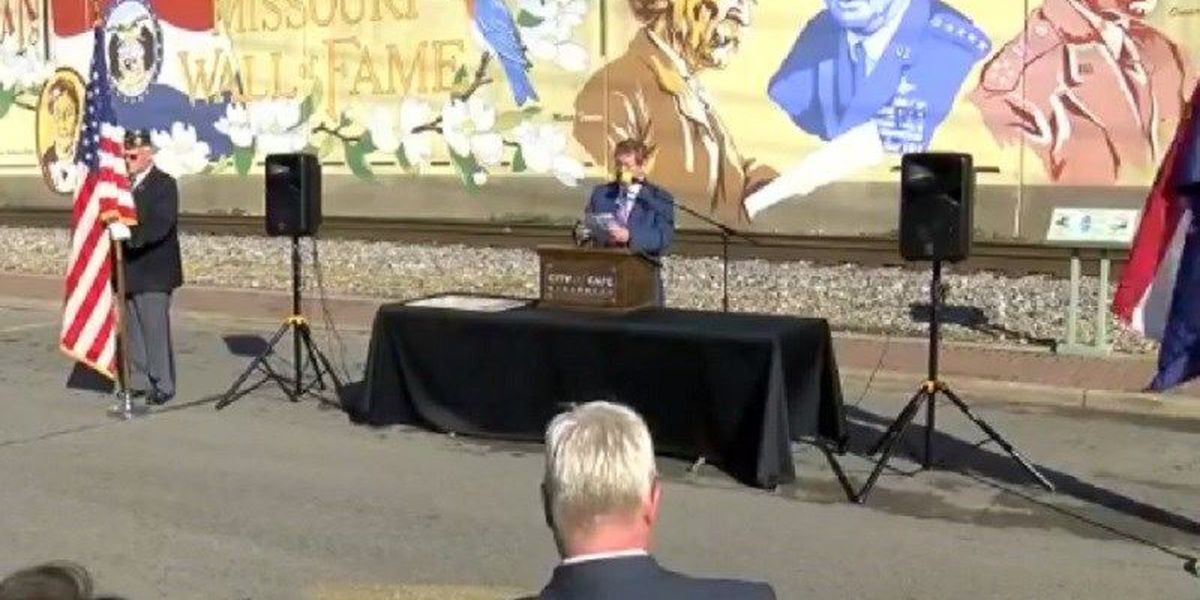 River wall mural dedicated for Air Force general from Cape Girardeau