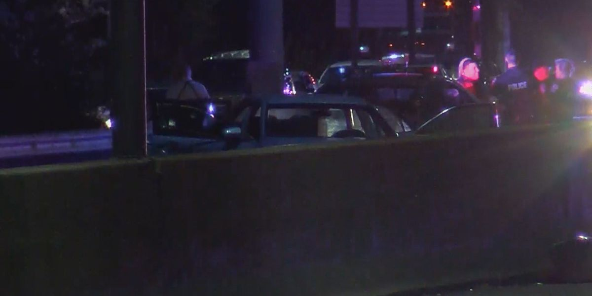 Four teens shot in car on I-264 in west Louisville