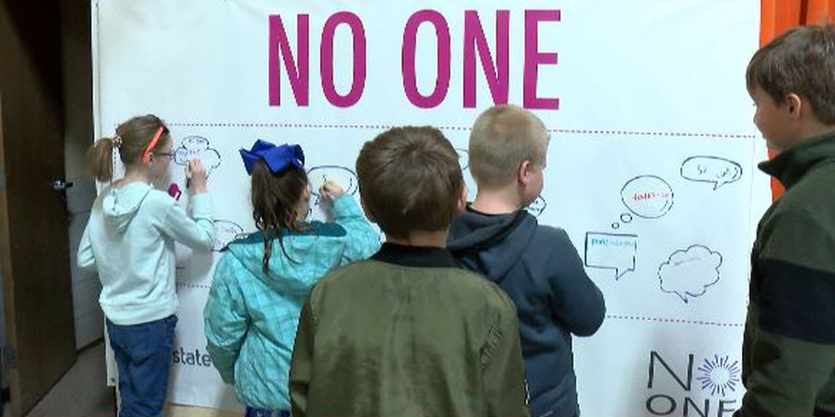 Scott County, Mo. student pledge 'No One Eats Alone'