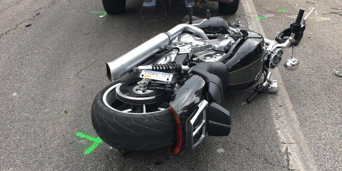 1 hurt in motorcycle vs. truck crash in Saline Co., IL