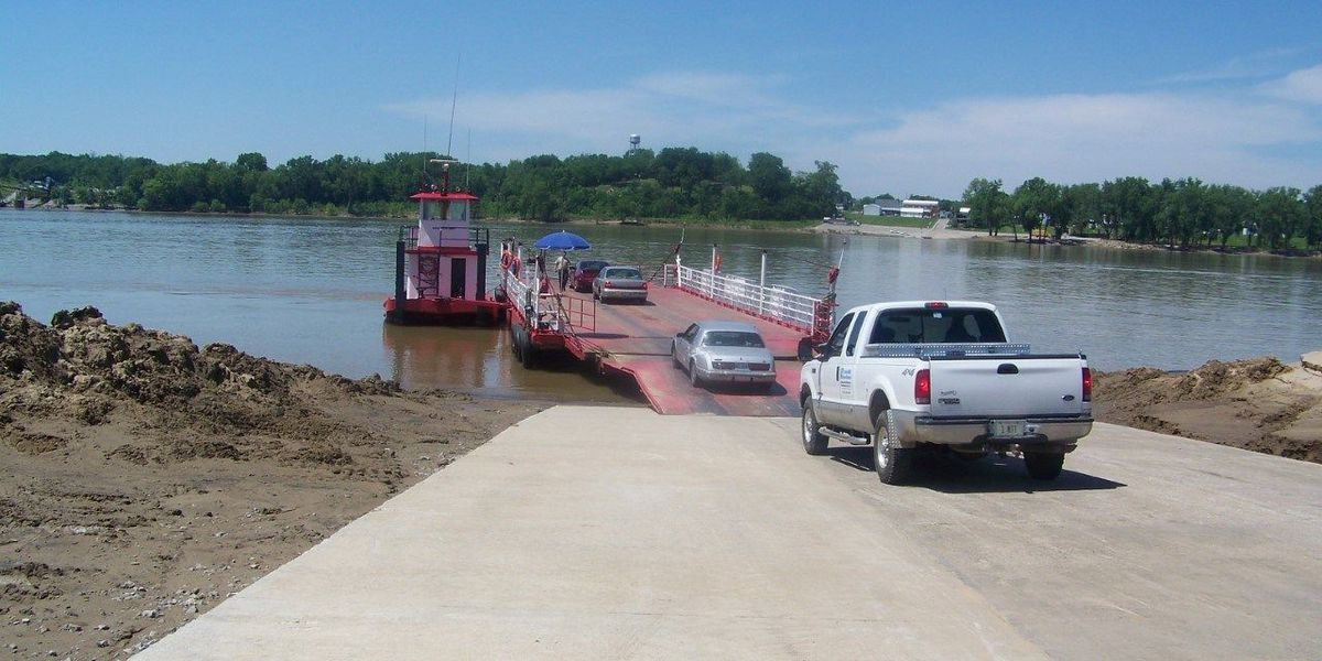 Cave-In Rock Ferry closed to rising floodwaters
