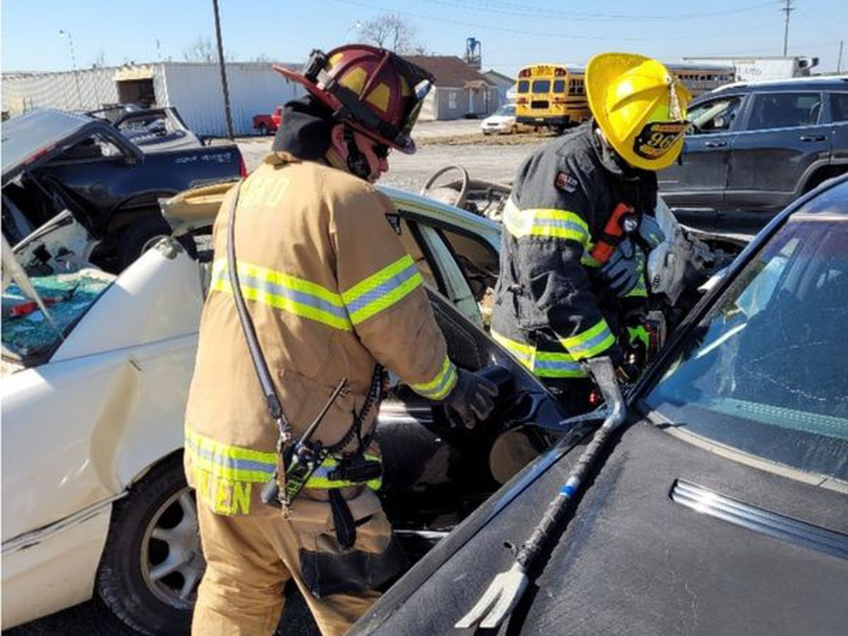 Cape Girardeau Fire Dept. practices extrication skills
