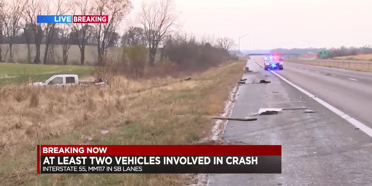 Crash blocks part of I-55