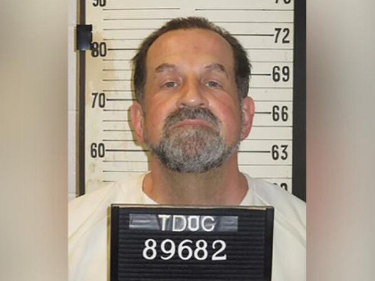 Tennessee man gets electric chair for killing fellow inmate