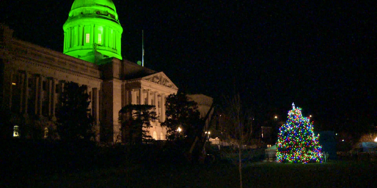 Gov. Bevin, Gov.-elect Beshear both attend to light Capitol Tree in Frankfort
