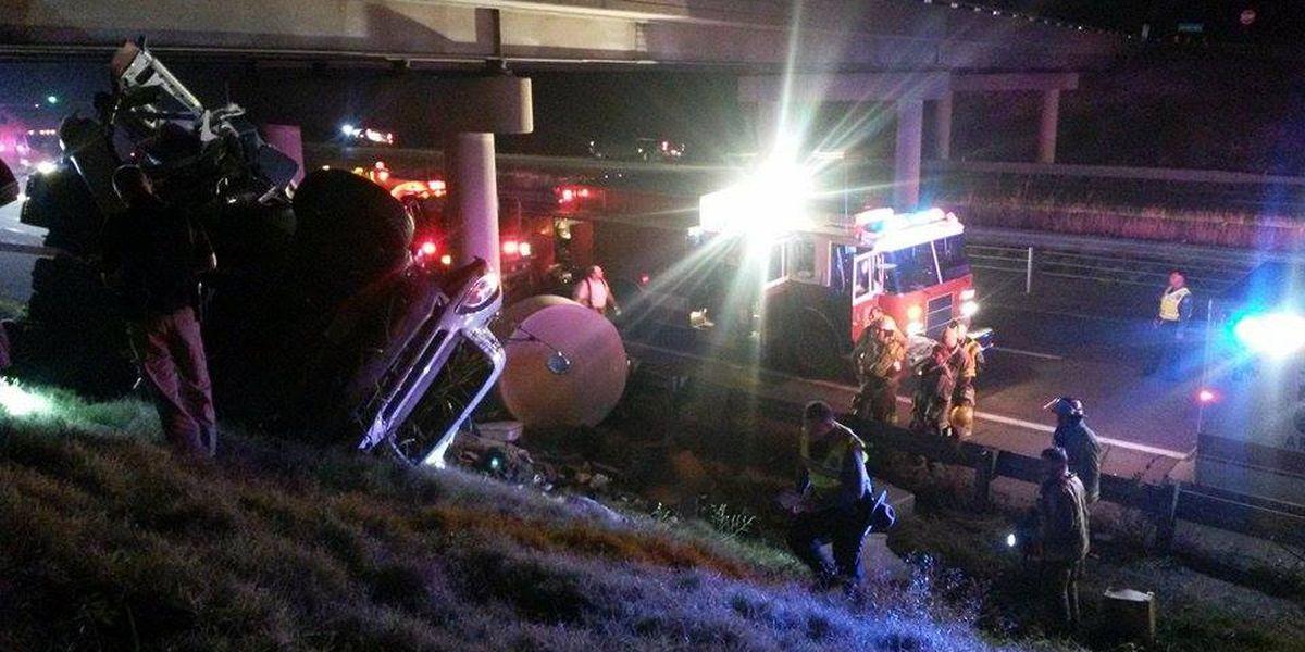 Semi hits guardrail, overturns on I-55 in Pemiscot Co.