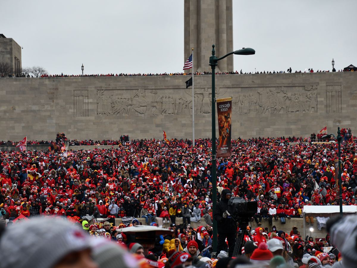 Chiefs celebrate victory in downtown Kansas City