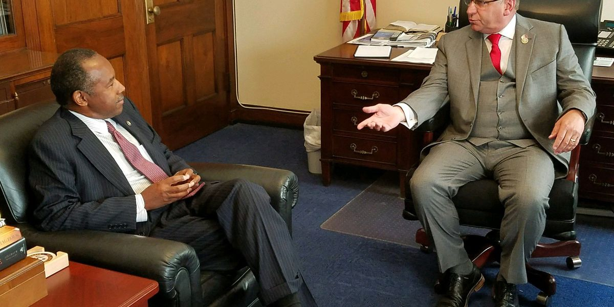 IL Representative Bost meets with HUD secretary to discuss housing crisis in Cairo