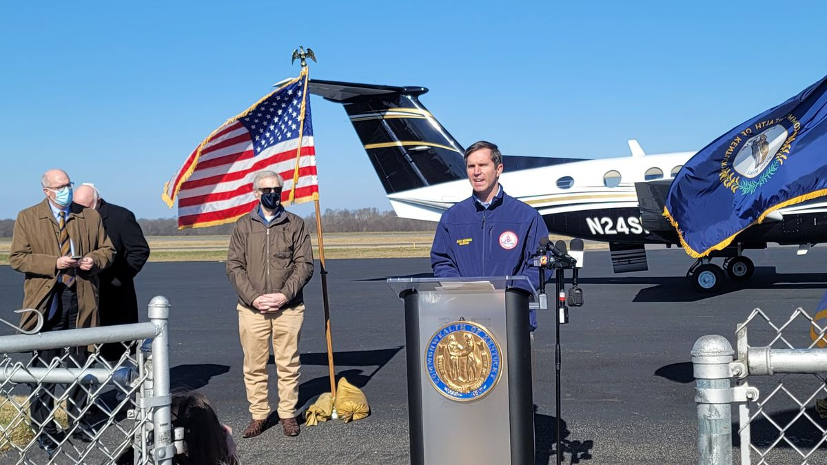 Gov. Beshear holds briefing on flooding survey in Calloway County, Ky.