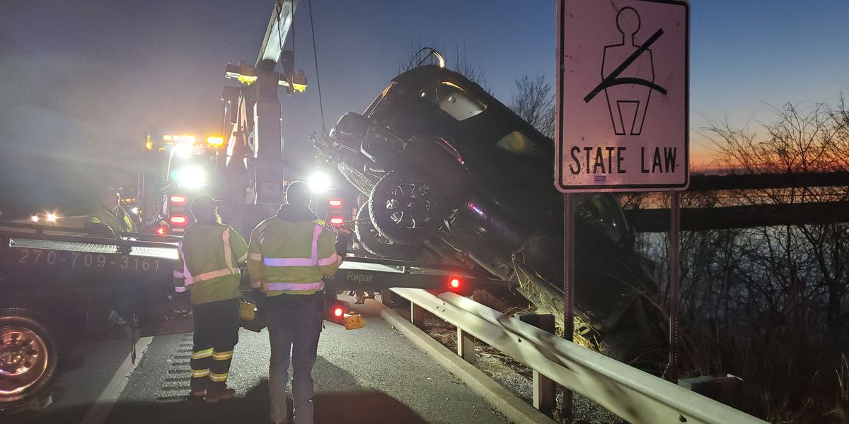 Interstate 24 Eastbound now open after car roll-over