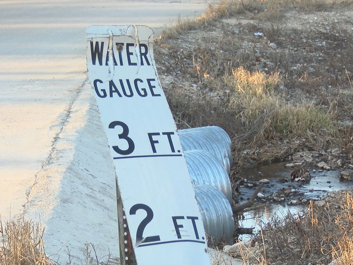 Emergency Management officials prepare for flooding in Carter Co., Mo.
