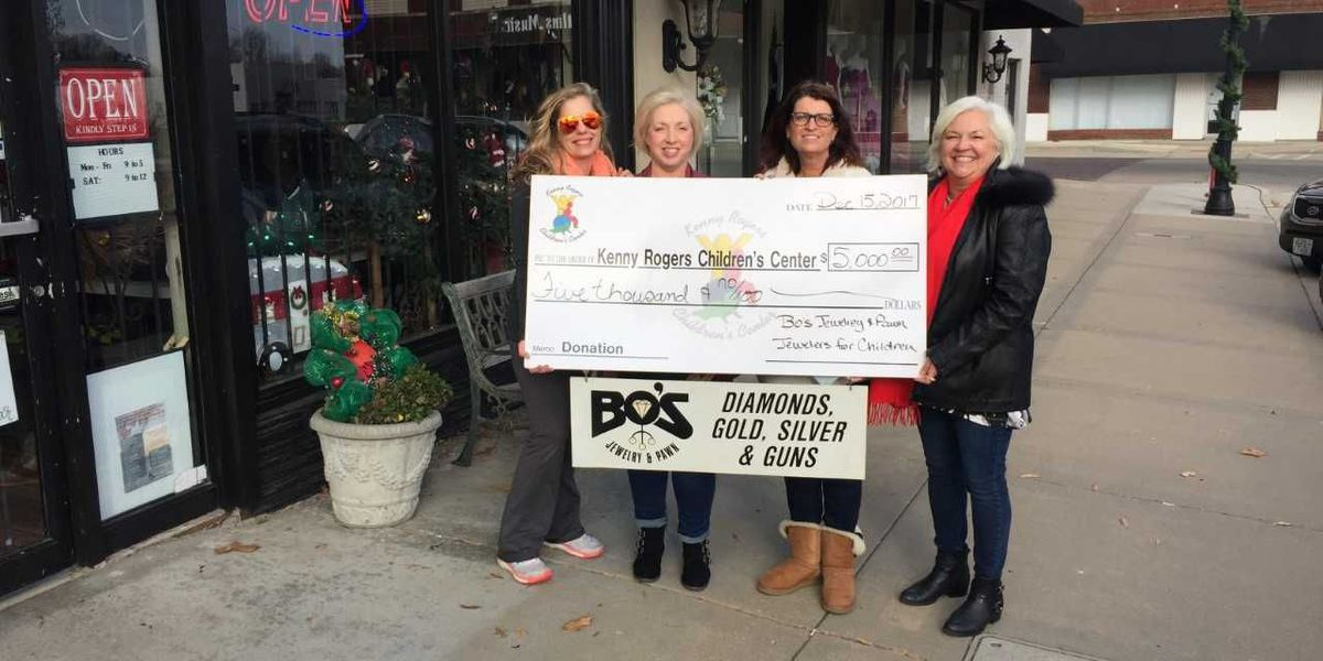 Sikeston, MO business presents $5,000 to area charity