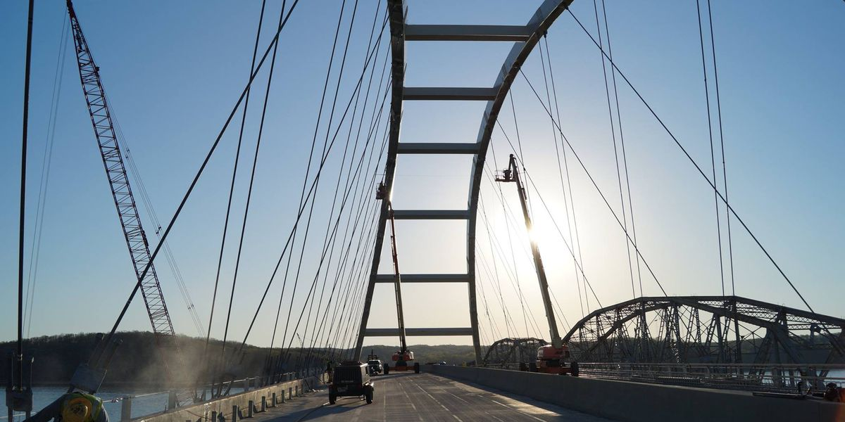 Traffic to be halted on Eggners Ferry Bridge