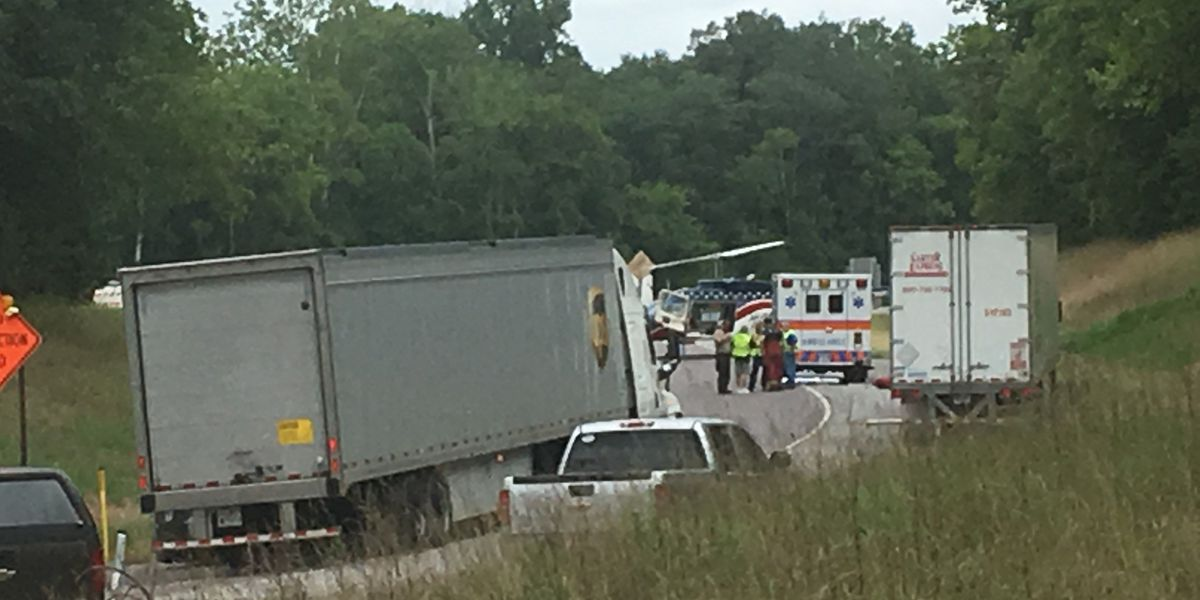 I-57 ramp back open after serious crash in Union Co., IL