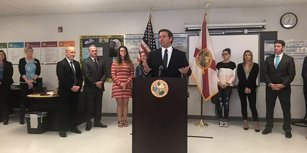 Gov. DeSantis signs executive order to eliminate Common Core in Florida