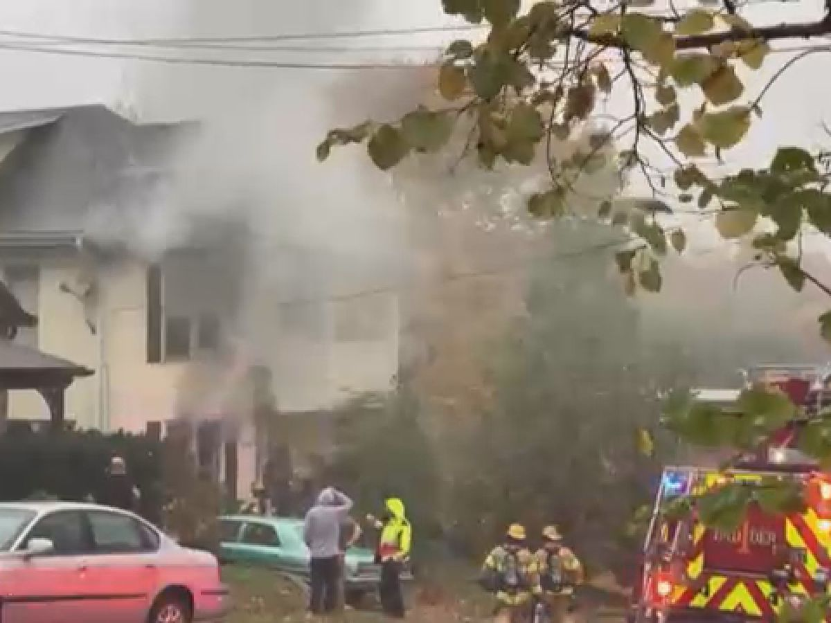Crews respond to apartment fire on Lorimier in Cape Girardeau, Mo.