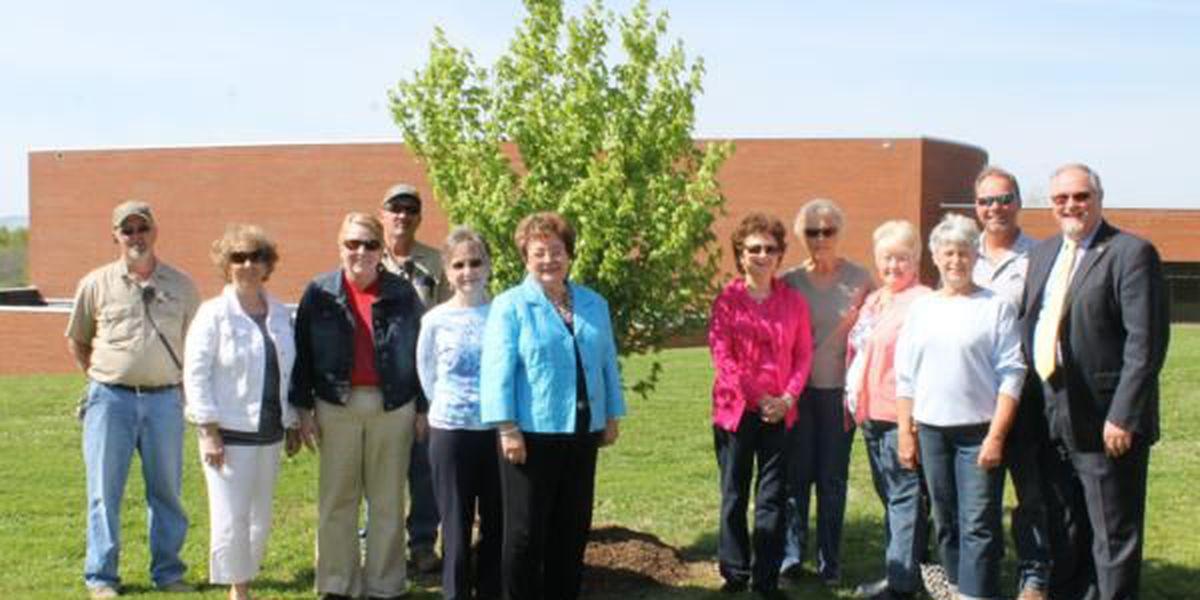 Eldorado Garden Study Club and SIC celebrate Arbor Day