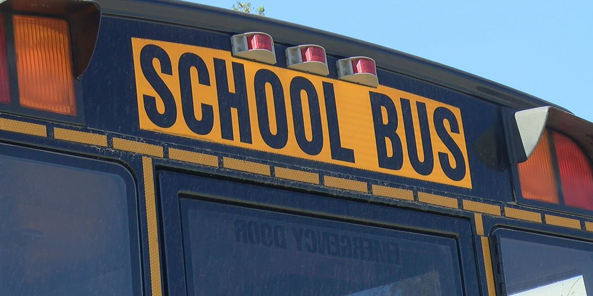 3 injured in crash involving school bus in Franklin Co., Ill.