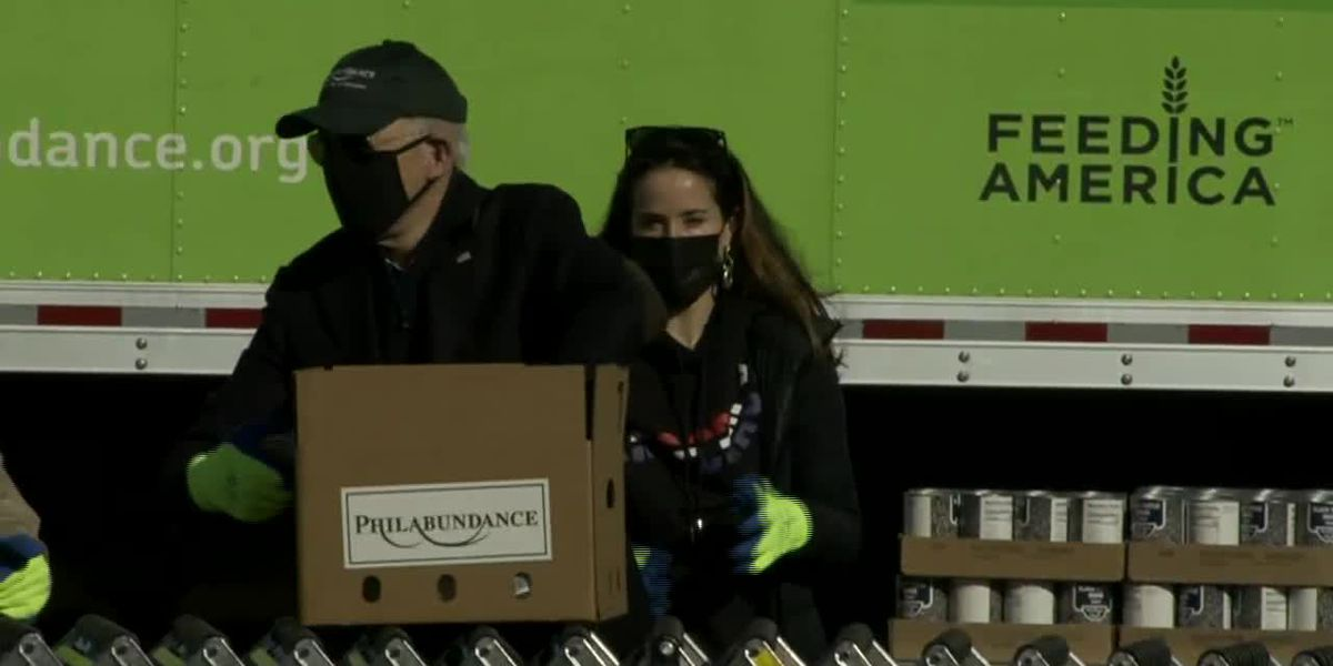 Biden family packs food for needy Americans