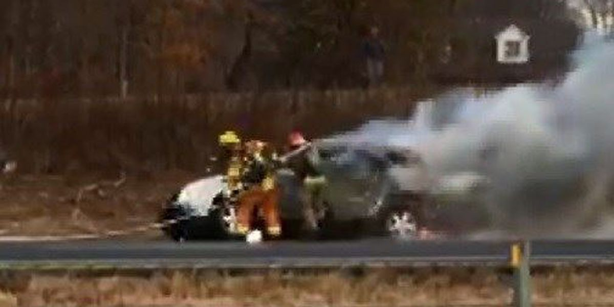 I-55 northbound lanes blocked near mile maker 104 due to car fire